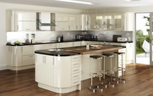 gloss-fitted-kitchen